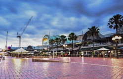 SYDNEY, AUSTRALIE - 14 mai 2015 : Scène de nuit de Darling Harbour Photos stock