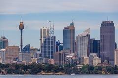 Sydney, Australie - 3 octobre 2017 : Gratte-ciel et vol d'avion ci-dessus images stock