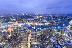 """Sydney, Australien †""""am 10. Oktober 2017 †""""die Stadtansicht von Sydney nachts von Sydney-Turm stockbild"""