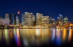 SYDNEY, AUSTRALIEN - 26. Oktober 2015: Nachtszene von Darling Ha Stockbilder
