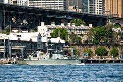 SYDNEY AUSTRALIEN - Oktober 5th 2013: Krigsskepp på australier N Royaltyfri Fotografi