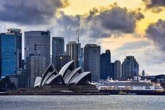 SYDNEY AUSTRALIEN - 10. September 2015: Ansicht des Sonnenuntergangs bei Sydney Ope Lizenzfreie Stockfotografie