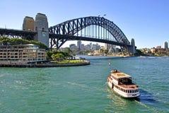 Sydney Australien - Sydney Harbour Bridge Arkivfoton