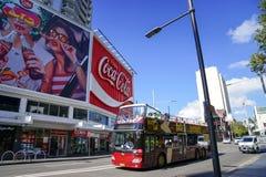 Sydney autobusowa wycieczka turysyczna, chmiel na chmielu z autobusowego bieg w królewiątko krzyżu jest Obraz Stock