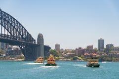 Sydney balsea en Quay circular con Sydney Landmark Sydn famoso Foto de archivo libre de regalías