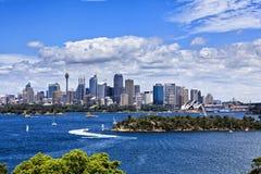 Sydney CBD från den Taronga zoo Arkivfoto