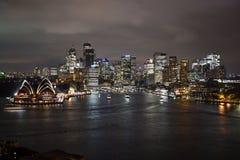 Sydney City Landscape Rooftop View-Nachtlichten Royalty-vrije Stock Afbeeldingen