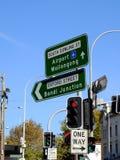 Sydney City Street Signs; Oxford gata och södra Dowling gata, Australien Arkivbild