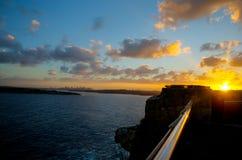 Sydney d'or dans l'horizon Images libres de droits