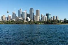 Sydney dall'altro lato della baia Immagini Stock
