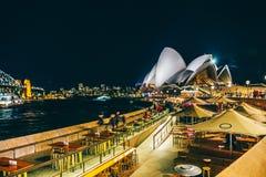 Sydney Darling Harbour cityscape på natten, Australien royaltyfri foto