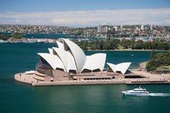 Sydney das Oktober 2009: Sydney-Hafenblick von der Hafenbrücke. Lizenzfreie Stockfotos