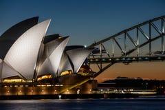 Sydney dertiende Augustus 2016 - Sydney Opera House bij schemer, Sydney Aus royalty-vrije stock foto's