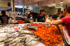 Sydney Fish market. On the day before christmas. It is very busy at the market as people scramble to buy fresh seafood for christmas day barbecues. Fish royalty free stock images