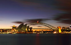 Sydney-Hafen-Brücke u. Opernhaus Lizenzfreie Stockfotos