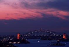 Sydney-Hafen-Brücke und Opernhaus Lizenzfreie Stockfotos