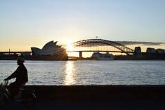 Sydney-Hafen-Brücke und Opernhaus Stockfotos