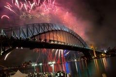 Sydney-Hafen-Brücken-neues Jahr-Feuerwerke Stockbild