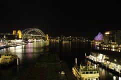 Sydney-Hafen nachts Lizenzfreie Stockbilder