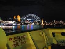 Sydney-Hafenbrücke und -fähre Stockbild