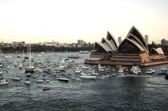 Sydney hamn med operahuset - panorama som tas på 19 av Februari 2007 under för kryssningskepp för drottning Elizabeth 2 besök Arkivbild