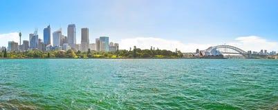 Sydney Harbor i en solig dag Royaltyfri Fotografi