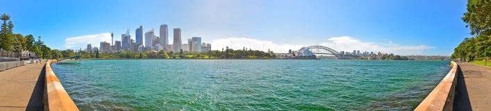 Sydney Harbor i en solig dag Royaltyfri Bild