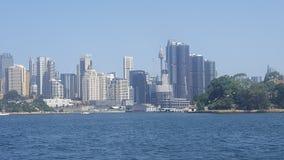 Sydney Harbor, vistas panorámicas de Sydney según lo visto del transbordador de hombres, Sydney, NSFW, Australia fotos de archivo