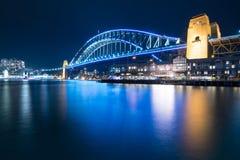 Sydney Harbour Bridge Australien - VividSydney 2015 Arkivfoton