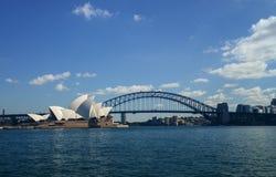 Sydney Harbour Bridge dal traghetto Fotografie Stock Libere da Diritti