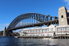 Sydney Harbour Bridge e Pier One Immagine Stock Libera da Diritti