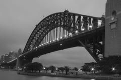 Sydney Harbour Bridge en blanco y negro Imágenes de archivo libres de regalías