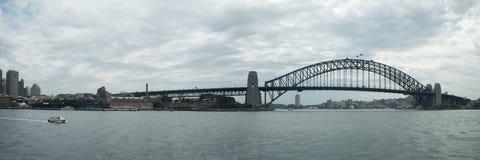 Sydney Harbour Bridge för tum 12x36 panorama Royaltyfri Bild