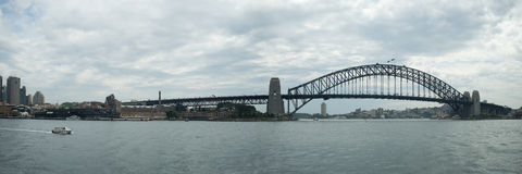 Sydney Harbour Bridge för tum 12x36 panorama Royaltyfri Bild