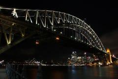 Sydney Harbour Bridge, operahus och horisont Arkivbilder