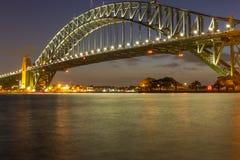 Sydney Harbour Bridge på natten, Arkivfoto