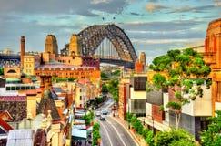 Sydney Harbour Bridge som byggs i 1932 australasian Royaltyfri Foto