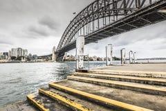 Sydney Harbour Bridge in un'alba calma della molla a Sydney, Austr Fotografia Stock Libera da Diritti