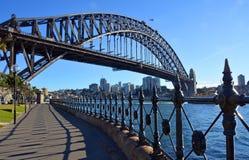 Sydney Harbour Bridge y verjas del parque del punto de Dawes Imágenes de archivo libres de regalías