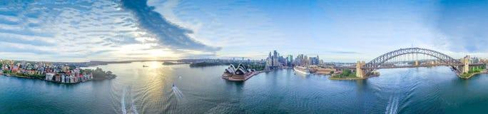 Sydney Harbour Panoramische mening 360 van stadsoriëntatiepunten Stock Foto's