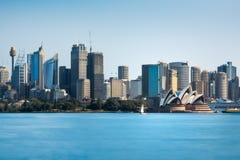 Sydney linia horyzontu - Dzienny widok od Cremorne punktu fotografia stock