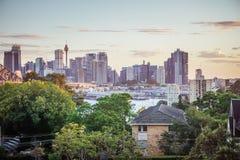 Sydney linia horyzontu przy półmrokiem fotografia royalty free