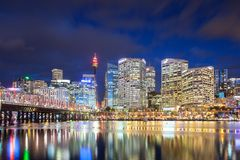 Sydney linia horyzontu Przy półmrokiem Zdjęcia Stock