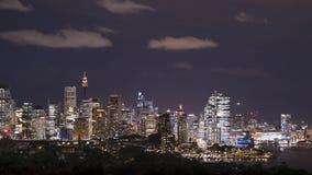 Sydney, NSW/Australië - Oktober dertiende 2018: Nachttijdspanne van Barangaroo en Sydney CBD stock videobeelden