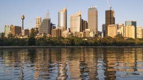 Sydney NSW/Australien - Oktober 6th 2018: tidschackningsperiod av soluppgång Sydney CBD arkivfilmer