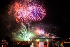 Sydney NYE 2015 fyrverkerier arkivfoton