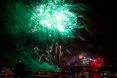 Sydney NYE 2015 groen vuurwerk Royalty-vrije Stock Foto's