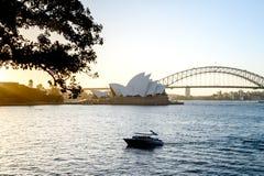 SYDNEY - Oktober 12: Sydney Opera House sikt på Oktober 12, 2017 i Sydney, Australien Sydney Opera House är berömda konster Arkivfoton