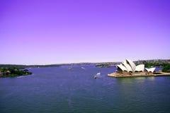 Sydney Opera-Haus mit Hintergrundstadt Stockfotografie