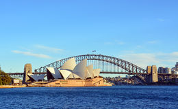 Sydney Opera House & Brug van het Punt van Macquarie Stock Fotografie
